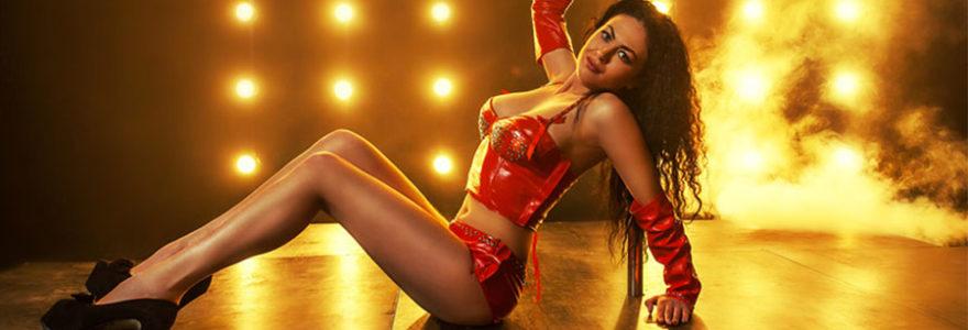 engager une stripteaseuse à domicile